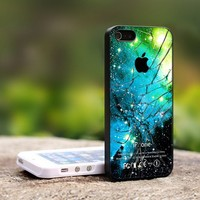 Apple Logo Galaxy Nebula Cracked Glas-For iPhone 4,4S Black Case Cover