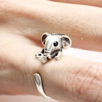 Elephant Knuckle Ring, retro elephant ring, elephant ring, vintage ring, adjustable ring, animal ring, wrap ring, cute ring, elephant