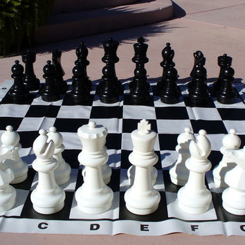 "12"" King Garden Chess Set"