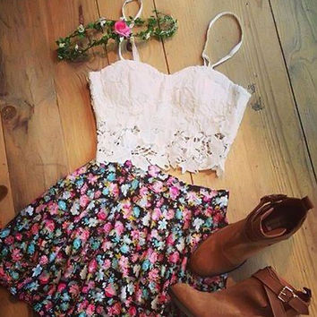 LACE BLOUSE PRINTED SKIRT TWO-PIECE SUIT