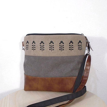 Waxed canvas gray bag, medium zipper bag, canvas beige crossbody bag, vegan leather gray bag, brown leather hobo bag, Toffee bag, day bag
