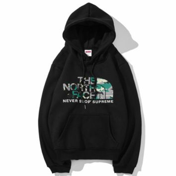 THE NORTH FACE 2018 autumn and winter new street fashion camouflage men and women plus velvet hooded sweater Black