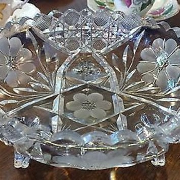 c1900 American Brilliant Cut Glass Three Footed Star & Daisy Scalloped Bowl