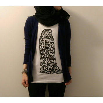 Hipster Art T-shirt Top (Hijab, Burka, Niqab Style, Arabic Calligraphy, Unique & Original Artwork for both men and women, unisex)