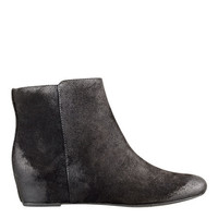 Nine West: METALINA BOOTIES