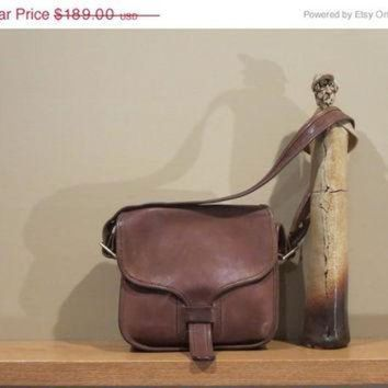 On Sale Rare New York City Coach Brown Leatherware Courier Bag Pouch Purse Tote Messen - Beauty Ticks