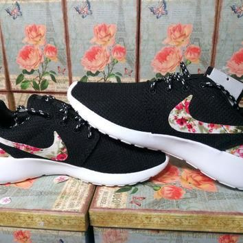 custom nike roshe run women black color athletic shoes nike roshe with fabric floral r