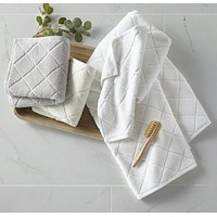 Nantucket Bath Towels by Peacock Alley