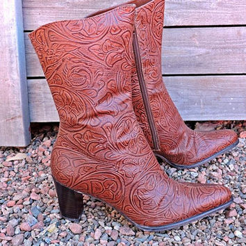 Cowgirl Boots size 7 / tooled leather / cognac brown / western / brown high heel  / crafted in Brazil
