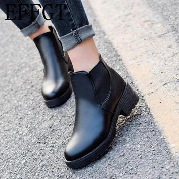 EFFGT 2017 Promotional Winter Autumn Women Boots Platforms Square Heel Ankle Boots Paint Leather Boots Motorcycle Botas Shoes