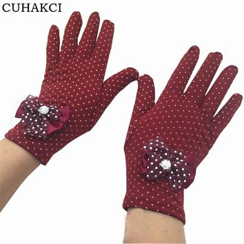 Winter Guantes Lace Diamond Ladies Butterfly Knot Gloves Female Warm White Dot Luvas Feminino Glove Wrist Mittens G039