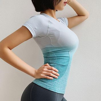 Summer Breathable Women Ombre Cropped Seamless Short Sleeve Top Crop Top Women Workout Fitness Shirts for Sports Tops Gym Top