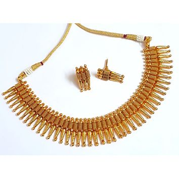 Gold plated spike choker necklace and stud earring set