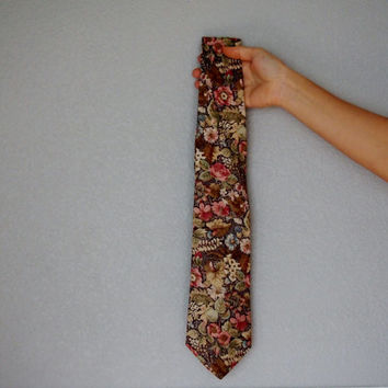 Vintage Floral 70s style Necktie - Spring time!