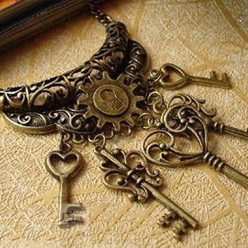 Antique Vintage Style Skeleton Key Necklace