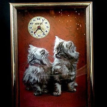 Decorative Wall Clock Heritage Int'l Quartz Shadow Box Kitten Clock 1976 Italy