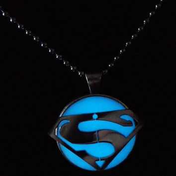 Glow in the dark Jewelry, Glowing Necklace,Stainless steel superman necklace, Glowing pendant