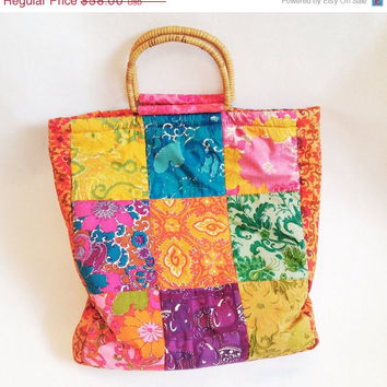 ON SALE 70s Patchwork Bag Boho Quilted Print Fabric Handbag Bamboo Handle Kawaii Accessories Vintage Purse - FREE Shipping