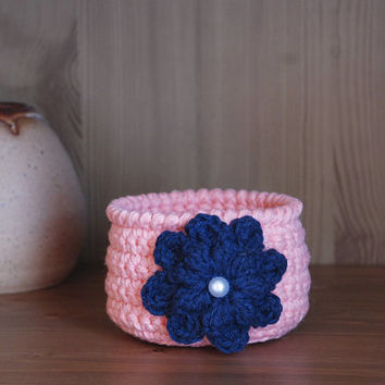 Housewarming gift, crochet basket, handmade bowl, woven basket, houseplant holder, spring decor, jewelry dish, gift basket, salmon pink