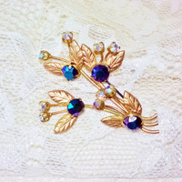 Juliana AB Purple Iridescent Chatons AB Crystal Rhinestones Flower Brooch Vintage Gold Spring Flower Bouquet Pin Costume Jewelry Mad Men