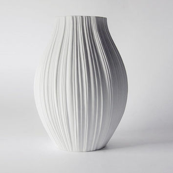 Modernist XL Porcelain White 'Plissée' Vase - M. Freyer for Rosenthal 1960s
