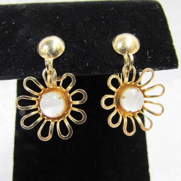 Vintage P & F Screw Back Dangle Daisy Earrings
