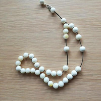 Mother pearl worry beads, white beads mala, mother pearl and sterling silver Greek komboloi, unisex worrybeads, prayer beads of mother pearl
