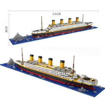 1860pcs/Set Titanic Cruise Ship Building Bricks Blocks 3D Boat Model Gift Kids Toys Compatible with Creator