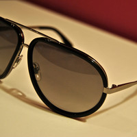 Alexander Mc Queen Large Rimmed Black Aviator Sunglasses (Alexander McQueen)