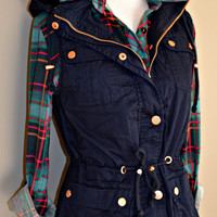 Hangin' at the Bon Fire Vest - Navy