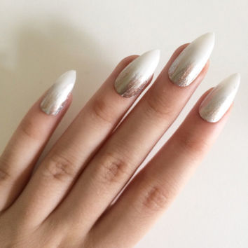 Gloss white, silver and gold feathered stiletto nails, hand painted acrylic nails, fake nails, false nails, stick on nails artificial nails