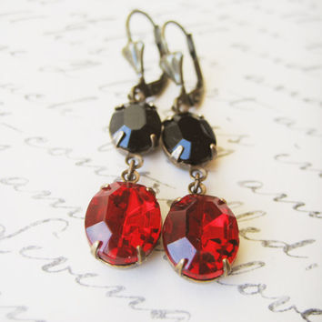 Vintage Rhinestone Earrings // Red, Black, Valentine's, Estate Style, Drop Earrings, Wedding Accessories, Bridal Jewelry, Jewellery