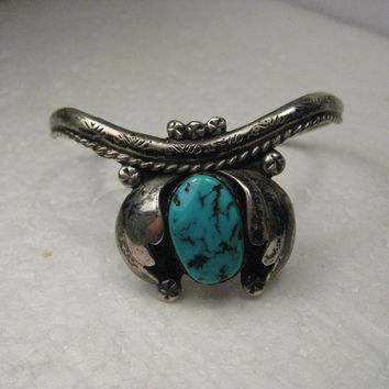 "Vintage Sterling Silver Turquoise Naja Cuff Bracelet - Southwestern, Native American, 6.25"" , 19.68 grams"