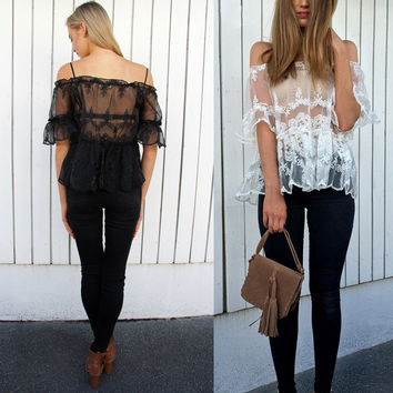 Lace Round-neck Tops [9087823044]
