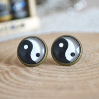 Tai Chi earrings,Chinese Tai Chi trigram earrings,cabochon stud earrings