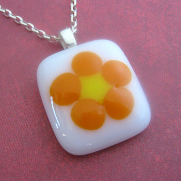 Flower Necklace, Small Fused Glass Necklace, Flower Jewelry, Etsy Fashion Jewelry - Wild Flower - 3562 -2