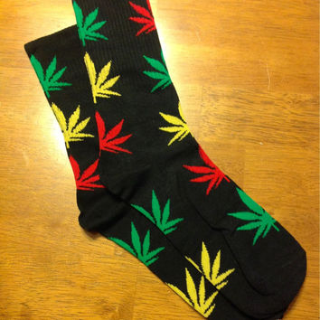 Custom Rasta Colors Green Red Yellow on Black  Marijuana Weed Pot Leaf Cannabis Unisex Adult Cotton Crew Socks Gift Idea