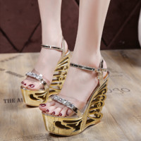 Summer Women Fashion Transparent Rhinestone Hollow Platform Wedge Gladiator Sandals Ladies Open Toe High Heels Shoes