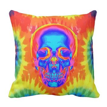 Psychedelic Skull Tie Dye Design Throw Pillow