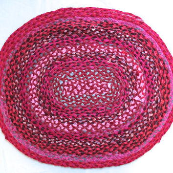 Oval Braided Tshirt Rag Rug- light pink, hot pink, red, maroon, gray