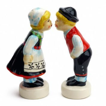 Vintage Salt and Pepper Shakers Norwegian Couple