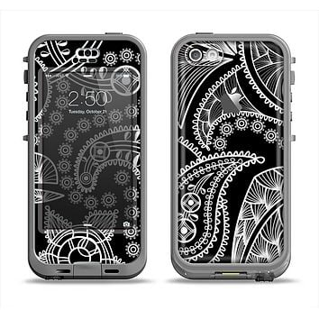 The Black and White Paisley Pattern v14 Apple iPhone 5c LifeProof Nuud Case Skin Set