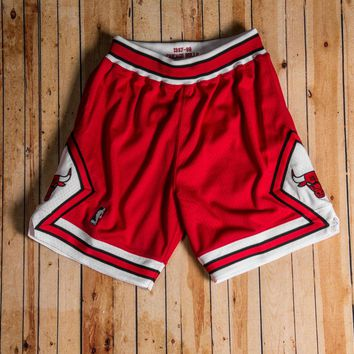 Mitchell & Ness - 1997-98 Authentic Shorts Chicago Bulls Red/white/black - Beauty Ticks