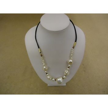Designer Fashion Necklace 17in L Beaded Faux Pearl Female Adult White/Black -- Used