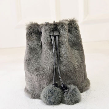 2016 Winter Faux Fur Women Messenger Bags Small Leather Handbags Luxury Designer Women Bag Rabbit Ladies Bucket Bag Crossbody