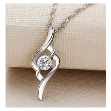 Classic Vintage Necklace Small Cubic Zirconia Diamond Pendant Necklace