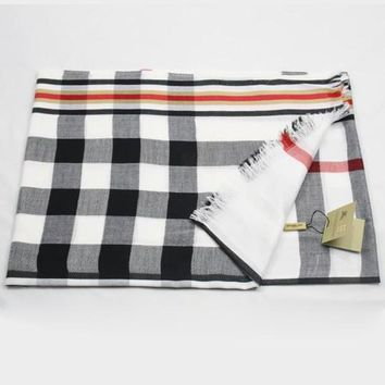Burberry Woman Fashion Accessories Sunscreen Cape Scarf Scarves-3