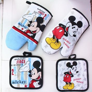 Mickey Mouse Microwave Glove Potholder Bakeware Blue and White 100% Cotton Oven Mitts and Potholder mat for BBQ or Kitchen