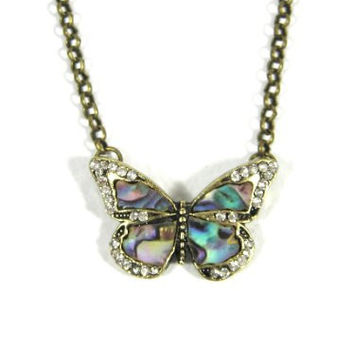 Small Butterfly Necklace Mother of Pearl NA16 Vintage Charm Pendant Fashion Jewelry