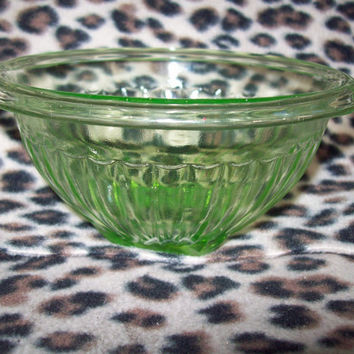 "Vintage 50s Anchor Hocking Ribbed Square Bottom Uranium Glass Berry Cereal 6"" Bowl Cocktail Serving Dish / Mid Century Atomic Pad Modern"